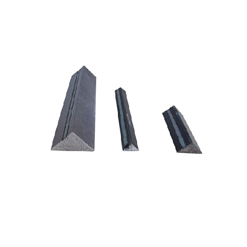 Precast concrete chamfering tool pre-embedded chamfering strip rubber high-strength ferromagnetic fixation