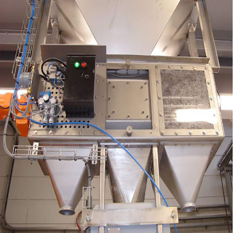 Program controlled automatic cleaning electric magnetic separator